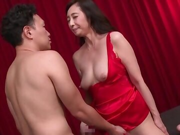Japanese mature wants to feel an obstacle mint inches in both holes