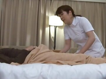 Natural boobs Japanese MILF gives a massage and gets fucked hard